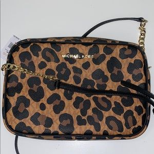 NWT Micheal Kors texture leather leopard crossbody